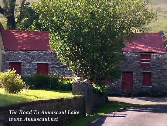 lake-road-annascaul